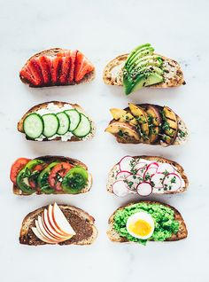 Breakfast is served In my cookbook there's a chapter about green breakfast including these delicious bites by ditsen Healthy Snacks, Healthy Recipes, Scandinavian Food, Luxury Food, Good Food, Yummy Food, Danish Food, Food Club, Wine Recipes
