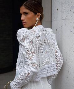 Swans Style is the top online fashion store for women. Style Couture, Haute Couture Fashion, White Fashion, Love Fashion, Womens Fashion, Fashion Vestidos, Fashion Dresses, Fashion Clothes, Mode Boho