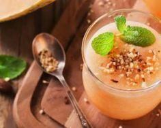 Smoothie melon et menthe poivrée pour ventre plat : http://www.fourchette-et-bikini.fr/recettes/recettes-minceur/smoothie-melon-et-menthe-poivree-pour-ventre-plat.html