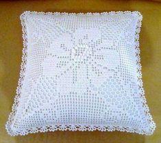 Crochet Cushion Pattern, Crochet Pillow Patterns Free, Filet Crochet Charts, Crochet Lace Edging, Crochet Bedspread, Crochet Cushions, Crochet Stitches, Free Crochet, Knit Crochet