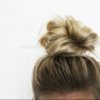 Updos For Short Hair cute knot updo for short rlyfhnh - Hair Styles Short Hair Updo, Short Hair Cute, Cute Hairstyles For Short Hair, Black Hairstyles, Buns For Short Hair, Wedding Hairstyles, Braided Hair, Short Hair Top Knot, Curly Bun