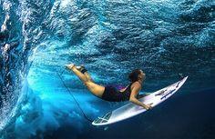 surfeuses sous eau 11 Surfeuses sous la vague