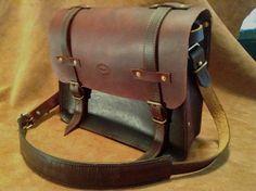 Classic vintage style antique brown leather messenger bag briefcase satchel