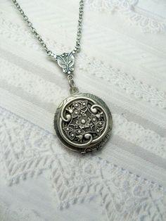Silver Celtic Knot Locket Necklace  Silver Celtic by birdzNbeez, $24.00