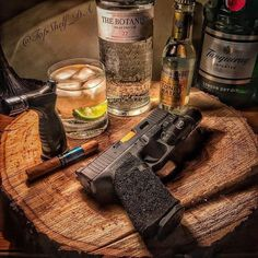 It's been a long day, cheers everyone it's Friday 🍻. Good Cigars, Cigars And Whiskey, Bourbon Whiskey, Weapons Guns, Guns And Ammo, Slime Toy, Galaxy Slime, Premium Cigars, Pipes And Cigars
