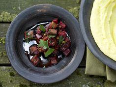 Pfeffriges Auberginen-Ragout - mit Rotwein - smarter - Kalorien: 175 Kcal - Zeit: 1 Std. 15 Min. | eatsmarter.de