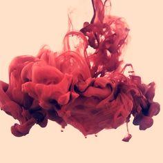 Alberto-Seveso-1vernis de couleur renversé dans un bocal à poison
