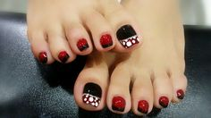 Mickey Mouse Pedicure