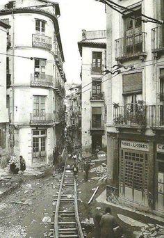 Instalación de vías de tranvía en las calles Colcha y Pavaneras