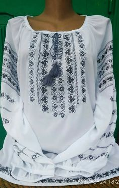 Beautiful Pakistani Dresses, Mix Style, Traditional Dresses, Fashion Outfits, Embroidery, Model, How To Wear, Clothes, Women's Blouses