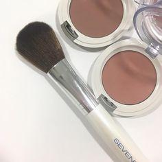 Blusher, Natural Looks, Seventeen, Cosmetics, Instagram Posts, Photos, Beauty, Beauty Illustration, Makeup Geek