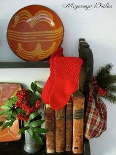 here are this year's Bits of Christmas.just some random shots around the House of Mugwump. Christmas 2017, Simple Christmas, Winter Christmas, Merry Christmas, Primitive Country Christmas, Rustic Pictures, Crow's Nest, December 25, Happy Holidays