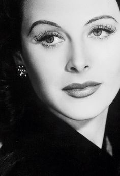 """""""🍁By The golden age of Hollywood🍁🎬🍁 Hedy Lamarr🍁🎬🍁"""" Old Hollywood Glamour, Hollywood Actor, Golden Age Of Hollywood, Vintage Hollywood, Hollywood Stars, Hollywood Actresses, Classic Hollywood, Hollywood Waves, Hollywood Theme"""