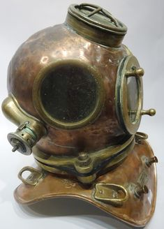 Lot 1050 - century Franz Clouth three bolt copper and brass diving helmet, Diving Helmet, Diving Suit, Scuba Diving, Diver Down, Vintage Helmet, Steampunk Design, Copper And Brass, Deep Sea, 19th Century