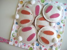 darling little felt bunnies