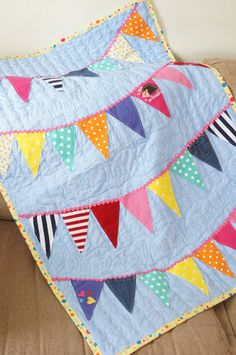 New Colchas Patchwork Bebe Baby Quilts Ideas Baby Clothes Blanket, Sewing Baby Clothes, Cool Baby Clothes, Baby Sewing, Baby Blankets, Quilts From Baby Clothes, Babies Clothes, Children Clothes, Quilt Baby