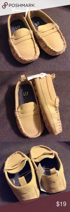 Toddler size 7 black dress shoes khaki