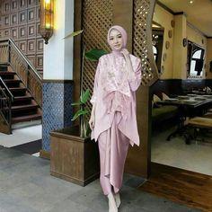 Graduation party outfit ideas casual 21 New Ideas Kebaya Modern Hijab, Model Kebaya Modern, Kebaya Hijab, Kebaya Muslim, Muslim Dress, Kebaya Lace, Kebaya Dress, Hijab Dress Party, Hijab Wedding Dresses
