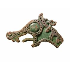 Dragon head made in bronze. Dated to the Viking period (AD 800-1050). Width 3,5 cm.