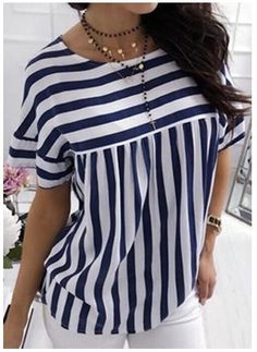 35 Colorful Blouses That Will Make You Look Cool - Luxe Fashion New Trends - Fashion Ideas : 35 Colorful Blouses That Will Make You Look Cool Mode Outfits, Casual Outfits, Modest Fashion, Fashion Dresses, Sewing Blouses, Elegant Outfit, Trendy Tops, African Fashion, Blouse Designs