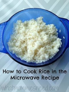 Ingredients: 2 cups water 1 cup long grain white rice 1 tbsp butter 1 tsp salt -Heat water in a covered Qt Glass Casserole Dish for 7 minutes at full power. -Add butter, salt, and rice. Stir, then re-cover and … Microwave Rice Recipes, Rice In The Microwave, Microwave Rice Cooker, Microwave Caramels, Microwave Meals, Rice Dishes, Casserole Dishes, Veggie Dishes, Mug Recipes