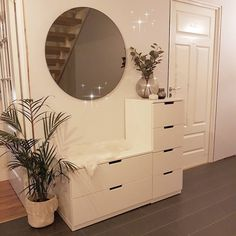 Our goal is to keep old friends, ex-classmates, neighbors and colleagues in touch. Home Decor Furniture, Diy Home Decor, Modern Furniture, Bedroom Storage Ideas For Clothes, Flur Design, Diy Design, Living Room Decor, Bedroom Decor, The Home Edit