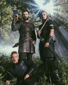 Arnas Fedaravicius as Sihtric, Mark Rowley as Finan (left) and Alexander Dreymon (front) as Uhtred in The Last Kingdom Season 4 The Last Kingdom Actors, The Last Kingdom Series, Uhtred Von Bebbanburg, Movies Showing, Movies And Tv Shows, Alexander Dreymon, Tribal Warrior, Viking Men, Best Shows Ever