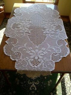 Diy Crafts - Crochet And Arts: Filet Crochet Wipes - maallure Crochet Table Runner, Crochet Tablecloth, Crochet Doilies, Crochet Lace, Crochet Collar Pattern, Crochet Patterns, Diy Crafts Crochet, Crochet Projects, Crochet Round