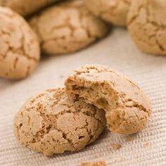 Amaretti Biscuits By monkeybusiness¡¯s photos , Macaron Café, Macarons, Cookie Desserts, Cookie Recipes, Biscuit Amaretti, Salted Caramel Chocolate, Beignets, Pavlova, Granola