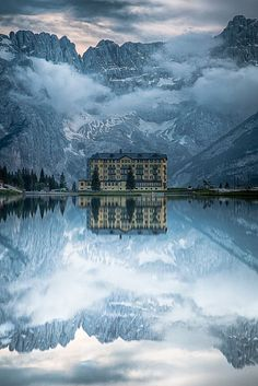 Winter Travel Destinations --- The Grand Hotel, Lake Misurina, Italy. This is the place of my dreams - Jo Places To Travel, Places To See, Travel Destinations, Travel Stuff, Dream Vacations, Vacation Spots, Italy Vacation, Places Around The World, Around The Worlds