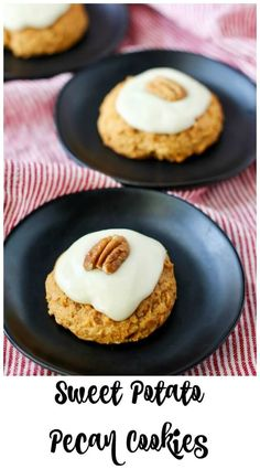 Sweet Potato Pecan Cookies with Maple Cream Cheese Frosting Sweet Potato Cookies, Sweet Potato Pecan, Pecan Cookies, Cake Mix Cookies, Wedges Potato, Easy Desserts, Delicious Desserts, Cookie Recipes, Dessert Recipes
