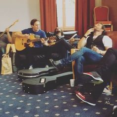 The green room at #rockwoodmusicfestival in Germany is different than most... #jam #singalong #everybodynow @robenedict @osricchau @officialbrianab @loudenswainmusic @thestationbreaks @paulcarella @emadalaeddinmusic #haydenlee