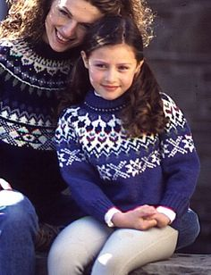 Daughteris Sweater In Patons Classic Wool Worsted. Discover more Patterns by Patons at LoveCrafts. From knitting & crochet yarn and patterns to embroidery & cross stitch supplies! Shop all the craft materials you need to start your next project. Fair Isle Knitting Patterns, Christmas Knitting Patterns, Knit Patterns, Sweater Patterns, Stitch Patterns, Free Knitting, Baby Knitting, Patons Yarn, Patons Classic Wool