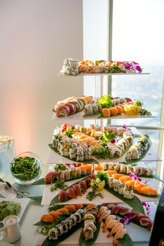 Sushi torte Do You Have Pest Protection? Sushi Buffet, Sushi Platter, Sushi Catering, Dessert Chef, Sushi Love, Sushi Party, Party Food Platters, Catering Display, Reception Food