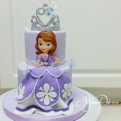 Another sweet little cake going out this weekend for a Sofia the First themed birthday! Sophia The First Birthday Party Ideas, Sofia The First Birthday Cake, 4th Birthday Cakes, Princess Sophia Cake, Princess Sofia Birthday, Princess Theme Cake, Bolo Sofia, Sofia Cake, Fete Emma