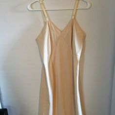 Vintage Closet, Vintage Ladies, Pin Up, Camisole Top, Beautiful, Things To Sell, Color, Fashion, Vintage Cabinet