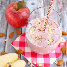 Apple Cherry and Almond Breakfast Smoothie that you and your kid will love.... #smoothiefx #kidssmoothies #smoothies