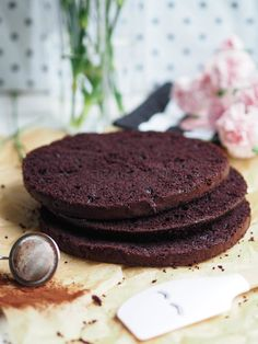 Easy Juicy Chocolate Cake (also gluten free and vegan) Annin Oven Vegan Sweets, Vegan Desserts, Vegan Recipes, Dessert Recipes, Vegan Food, Free Recipes, Finnish Recipes, Most Delicious Recipe, Food N