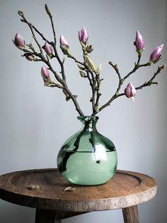 Bloemenknoppen in lente vaas