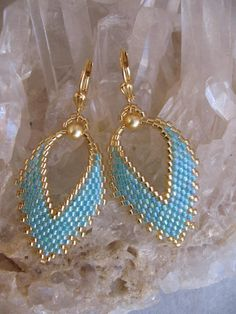 beaded earrings. brick stitch