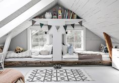 42 Fascinating Shared Kids Room Design Ideas - Planning a kid's bedroom design can be a lot of fun. It can also be a daunting task as you tackle the issue of storage and making things easy to clean. Attic Renovation, Attic Remodel, Attic Design, Kids Room Design, Attic Bedroom Designs, Bedroom Interiors, Attic Bedrooms, Kids Bedroom, Scandinavian Kids Rooms