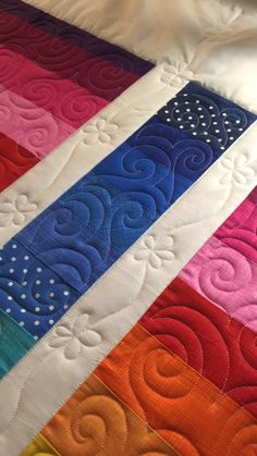 Desiree's quilt! I love her choice of fabric and the colours