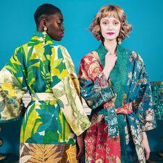 Juntando sobras de tecidos de marcas de luxo como #Lanvin #Dior e #Balmain a dupla por trás da @riannaandnina cria roupas supercoloridas e extravagantes. Na #ELLEmarço você confere uma entrevista com as duas amigas que contam tudo sobre seu processo de upcycling.  via ELLE BRASIL MAGAZINE OFFICIAL INSTAGRAM - Fashion Campaigns  Haute Couture  Advertising  Editorial Photography  Magazine Cover Designs  Supermodels  Runway Models