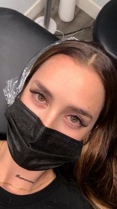 Natural Looking Eyelash Extensions, Eyelash Extensions Classic, Best Lash Extensions, Perfect Eyelashes, Best Lashes, 90s Makeup Look, Makeup Looks, Eyelash Extension Training, Minimal Makeup Look