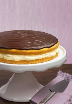 Boston Cream Pie – Here's the cream pie that made Boston famous—easy to make, creamy with pudding and topped with a luscious layer of chocolate.