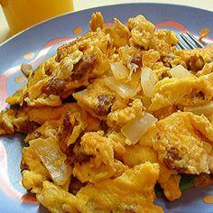 Chorizo & Onions Scrambled Eggs  http://www.smokedngrilled.com/chorizo-onions-scrambled-eggs/  I want this now!