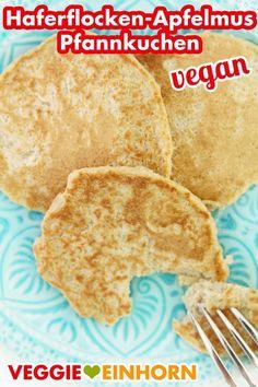 Healthy Oatmeal Applesauce Pancakes vegan - Healthy vegan pancakes with oatmeal and apple sauce without banana, without flour, without sugar, w - Pancakes Végétaliens, Oatmeal Pancakes, Oatmeal Cookies, Vegan Pancake Recipes, Breakfast Recipes, Vegan Recipes, Banana Breakfast, Oatmeal Recipes, Applesauce Pancakes