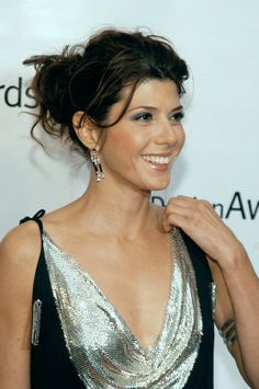 Marisa Tomei is a Deep Winter Beautiful Celebrities, Beautiful Actresses, Beautiful Women, Marisa Tomei Hot, Marissa Tomei, Amanda Bynes, Young Models, Famous Women, Hollywood Actresses