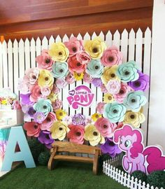 Paper flower party backdrop from a My Little Pony Pastel Birthday Party via… My Little Pony Birthday Party, 4th Birthday Parties, Birthday Party Decorations, 5th Birthday, Birthday Ideas, Baby Showers, Rainbow Dash Party, Cumple My Little Pony, Little Poney