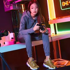 Lisa and Jennie For Adidas Korea Falcon 2018 Kpop Girl Groups, Kpop Girls, Korean Girl Groups, Blackpink Video, Foto E Video, Blackpink Jennie, Blackpink Photos, Girl Photos, K Pop